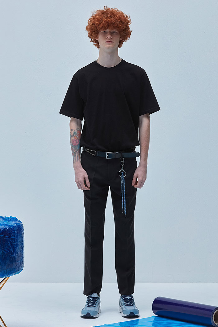 TAPERED SLACKS[BLACK]