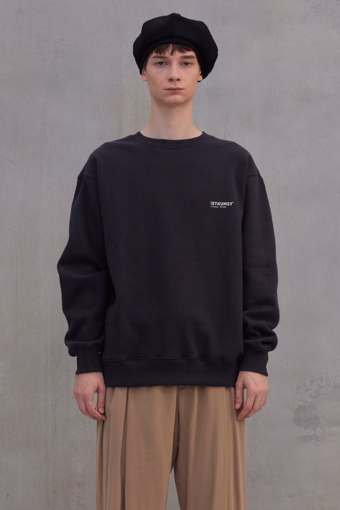 EXHIBITION SWEATSHIRT[CHARCOAL]